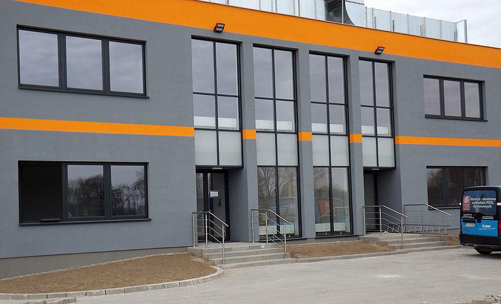 Kunststofffenster und Alu-Fassaden aus Polen